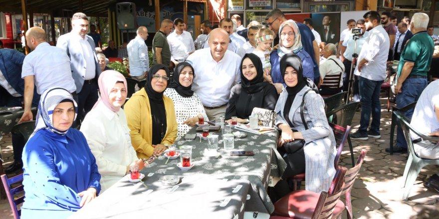 Darıca Çınaraltı'nda bayramlaştı