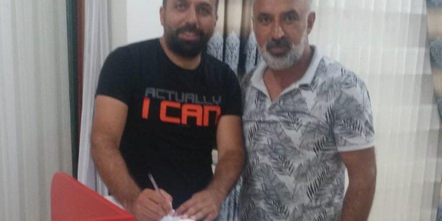 Dilovası'nda Çetin Kılıç imzaladı