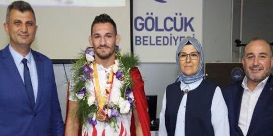 Abdulvasi Balta dünya üçüncüsü