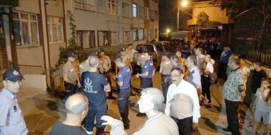 Çökme tehlikesi bulunan 2 bina tahliye edildi