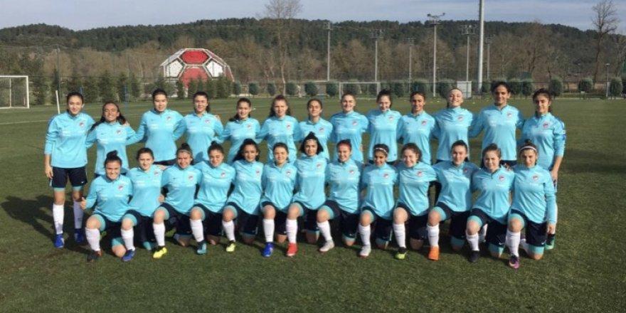 Kocaeli Bayan Futbol'dan üç oyuncu milli takımda