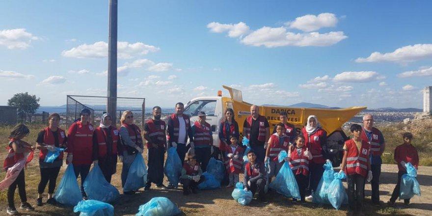 DARICA: Dünya Temizlik Günü'nde çöp topladılar