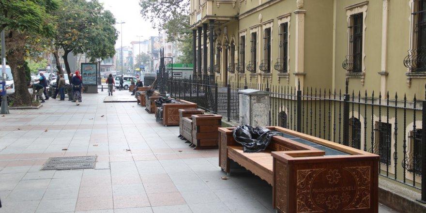 Kocaeli'ne Modern şehir mobilyaları