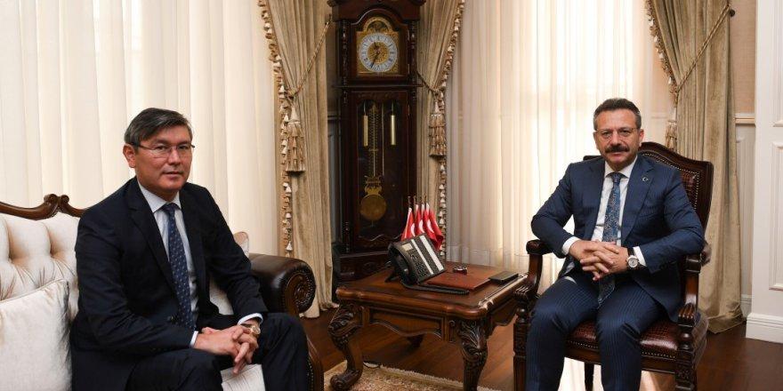 Büyükelçi Vali Aksoy'la görüştü