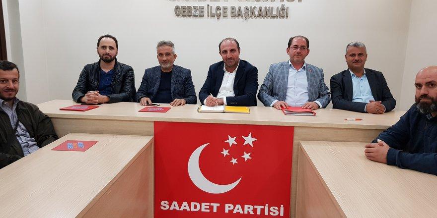 Saadet Atatürk'ü es geçti!