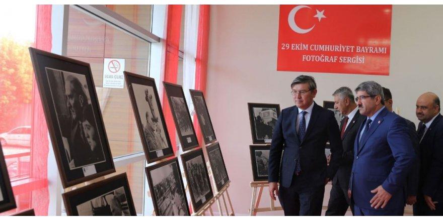 Büyükelçi Atatürk sergisine hayran kaldı
