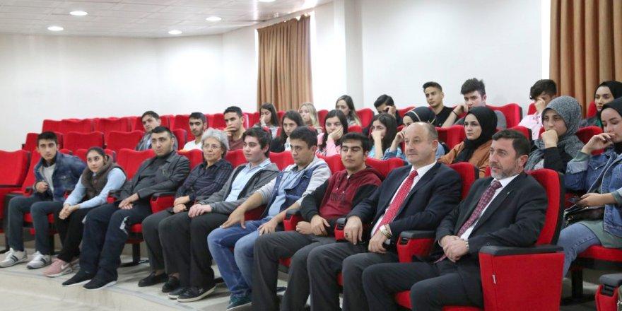 Stajyer öğrencilere oryantasyon eğitimi