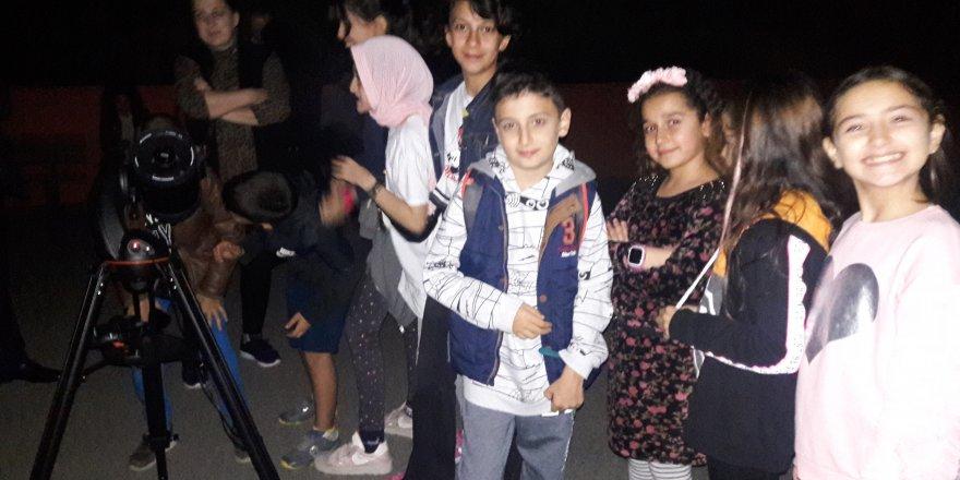 Mustafa Üstündağ Ortaokulu'nda Astronomi ve gözlem etkinliği