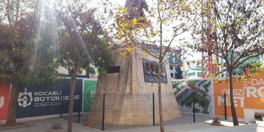 ETRAFINA TEL ÖRGÜ ÇEKİLDİ: Atatürk anıtı korumaya alındı