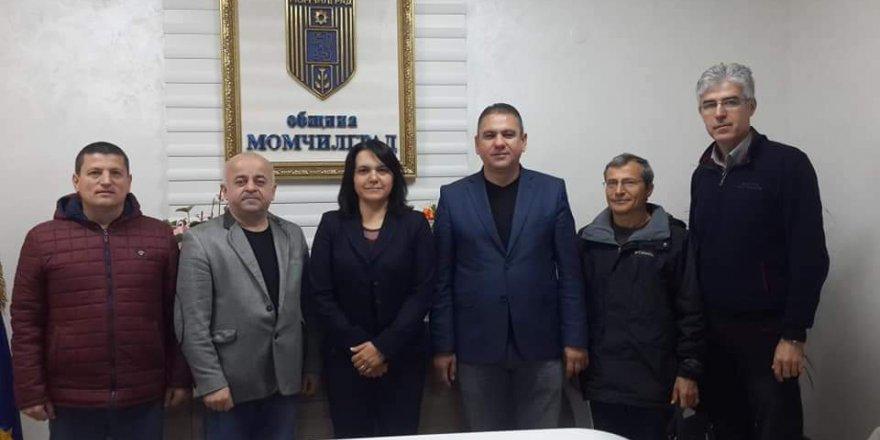 Seçilen Türk belediye başkanlarını tebrik ettiler