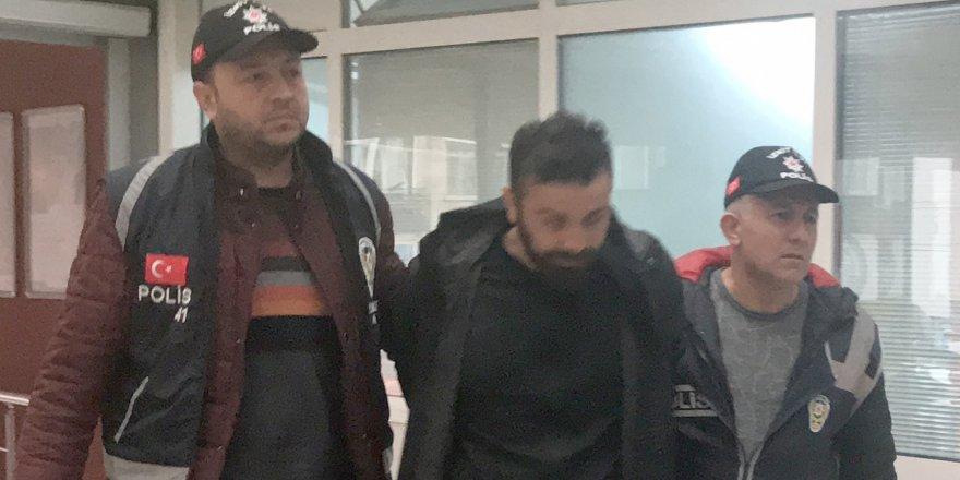 Aranan 2 kişi yakalandı