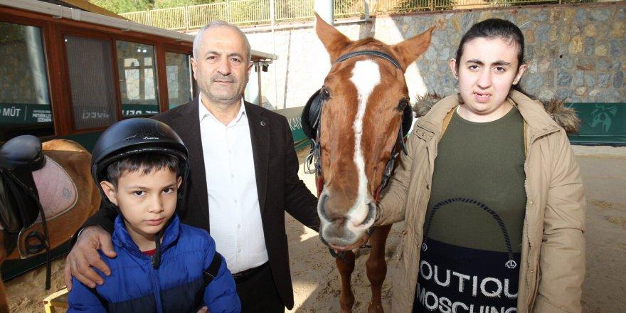 Başkan Büyükgöz özel çocukların heyecanlarına ortak oldu