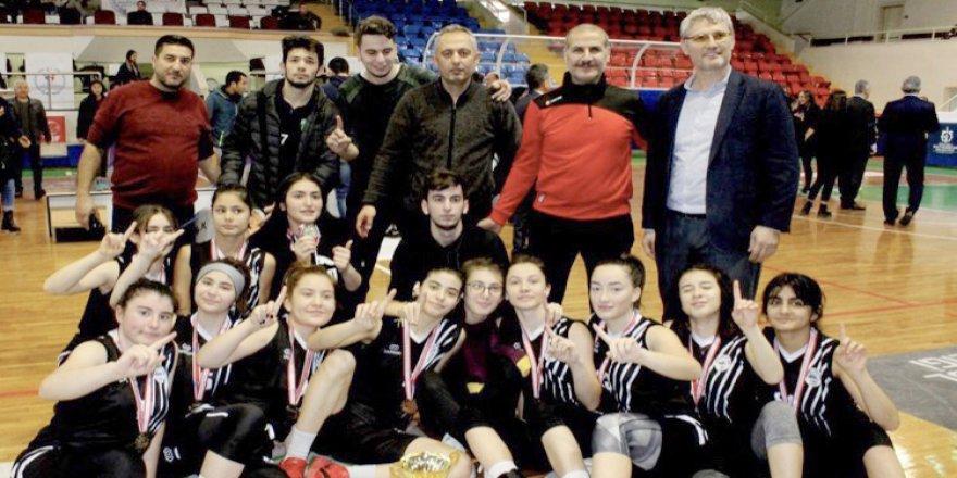 Namık Kemal AL şampiyon