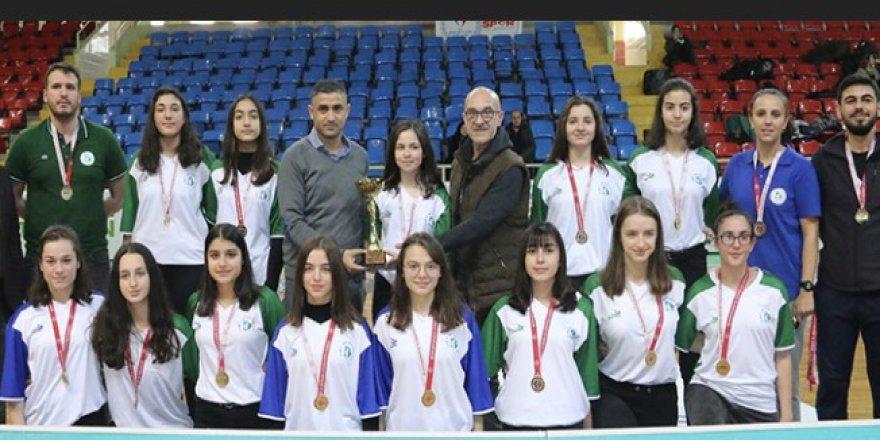 Şampiyon İzmit Belediyespor
