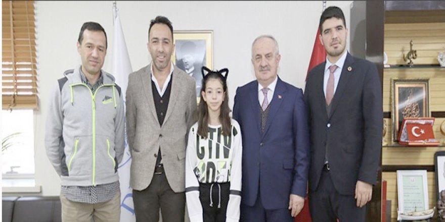 Başkan Aygün Şampiyonu kutladı