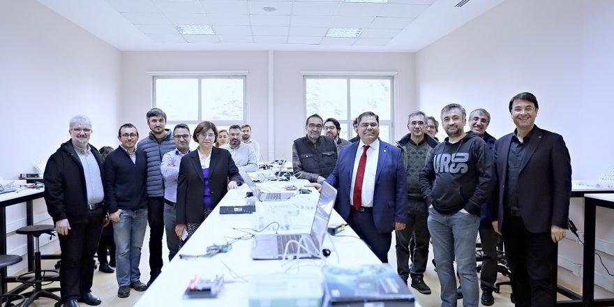Accenture GTÜ'de 'Sayısal Tasarım Laboratuvarı' açtı