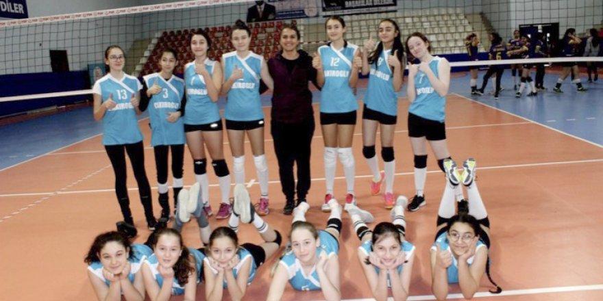 Yıldız Kızlar Voleybol'da eleme maçları sona erdi