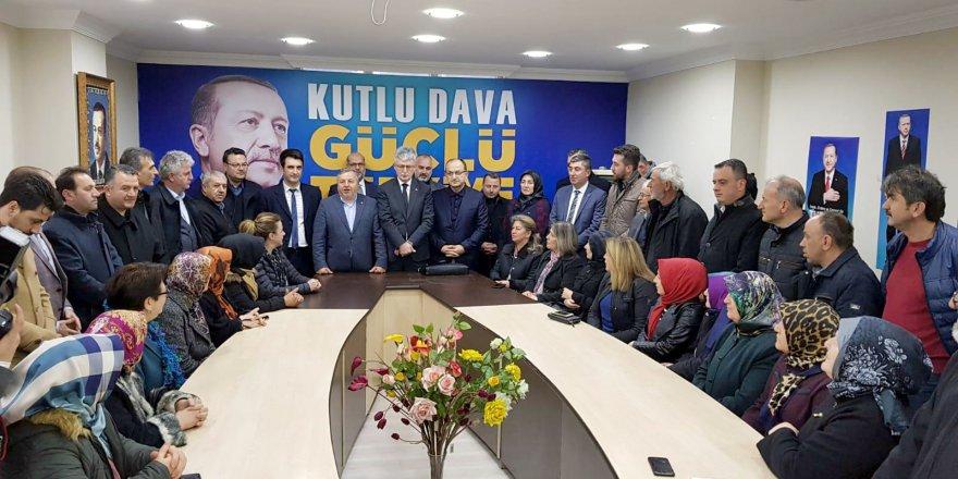 AK Parti İlçe Başkanlığında temayül yoklaması