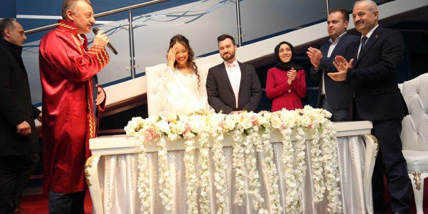 Başkanlar 14 Şubat'ta Nikah Kıydı