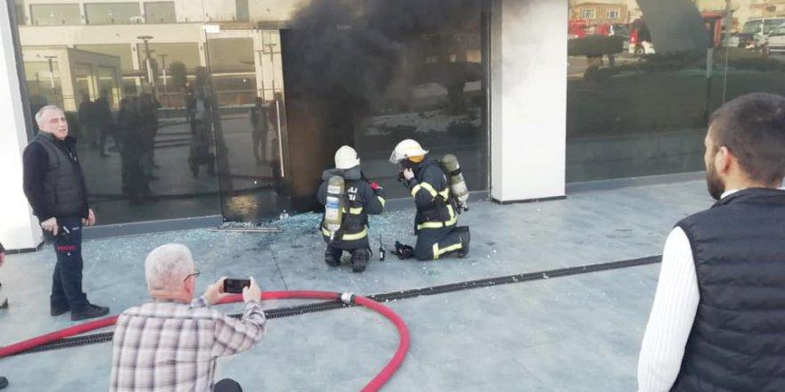 Çayırova'da dükkân kundaklandı