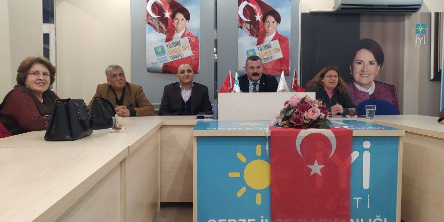 İYİ Gebze'de yeni yönetimden ilk toplantı