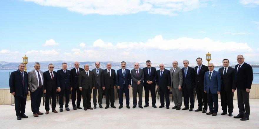 Aksoy'un başkanlığında ekonomi zirvesi