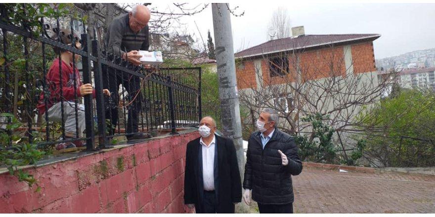 CHP Darıca'da maske dağıtıp uyardı