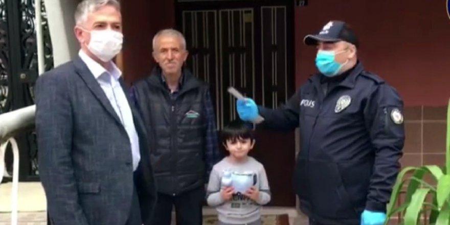 6 yaşındaki Mehmet'ten anlamlı yardım