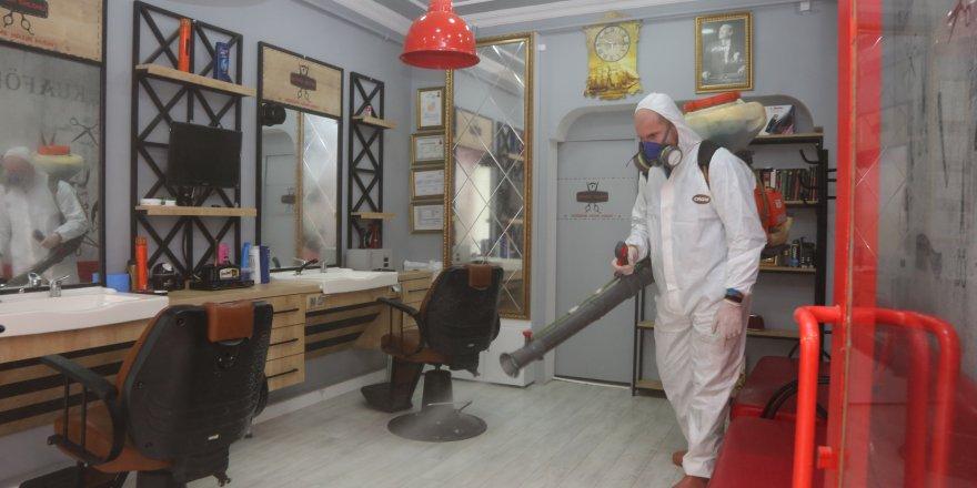 Darıca'da berber ve kuaförler dezenfekte edildi