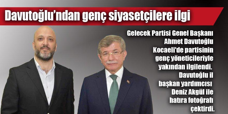 Davutoğlu'ndan genç siyasetçilere ilgi