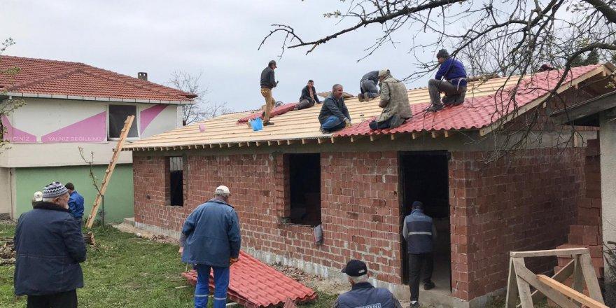 Köy tesisleri imece usulü inşa ediliyor