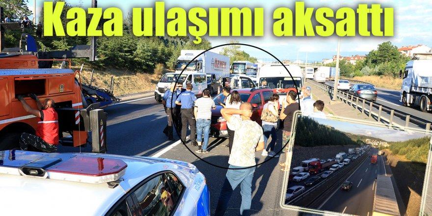 Kaza ulaşımı aksattı