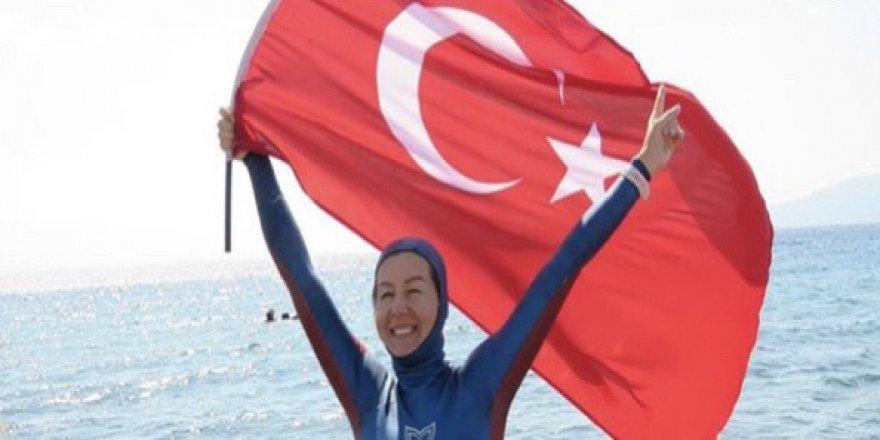 Milli dalışçı Birgül'den yeni dünya rekoru