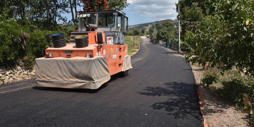 Mahallenin yoluna asfalt