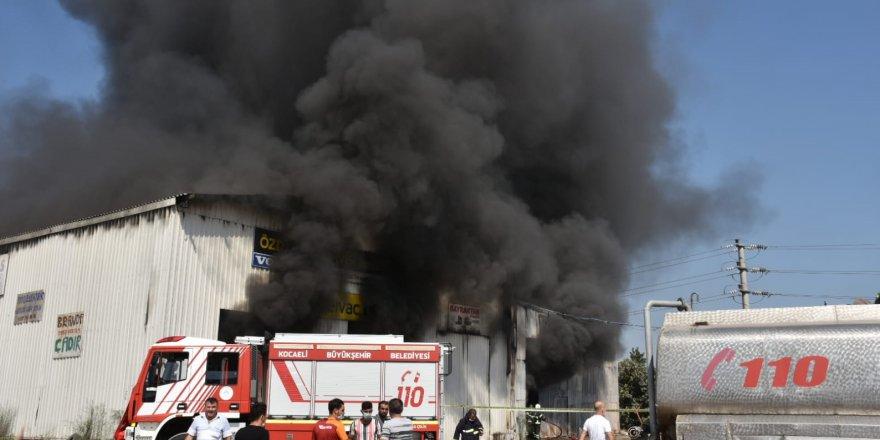 Tır servisinde çıkan yangın söndürüldü