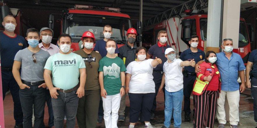 Down sendromlu çocuklar  İtfaiyeciler Haftasını kutladı