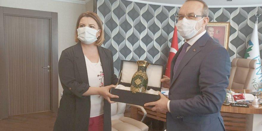 Vali Yavuz Hürriyet'i ziyaret etti