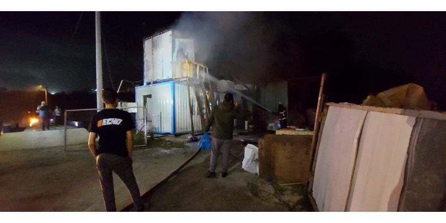 İşçilerin kaldığı konteyner yandı