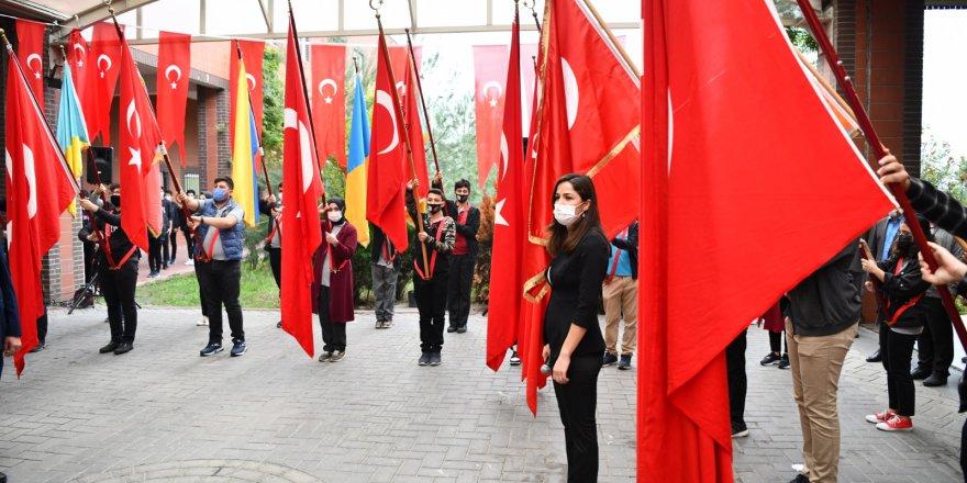 Çayırova'da 29 Ekim Kutlandı