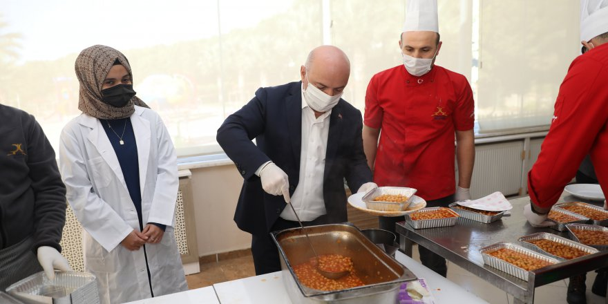 Darıca'da karantinadaki  vatandaşlara sıcak yemek