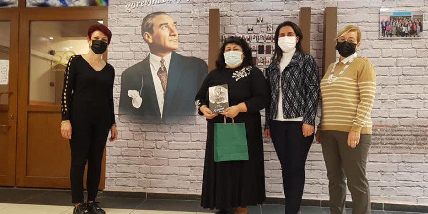 CHP'li kadınlardan eğitimcilere öğretmenler günü ziyareti