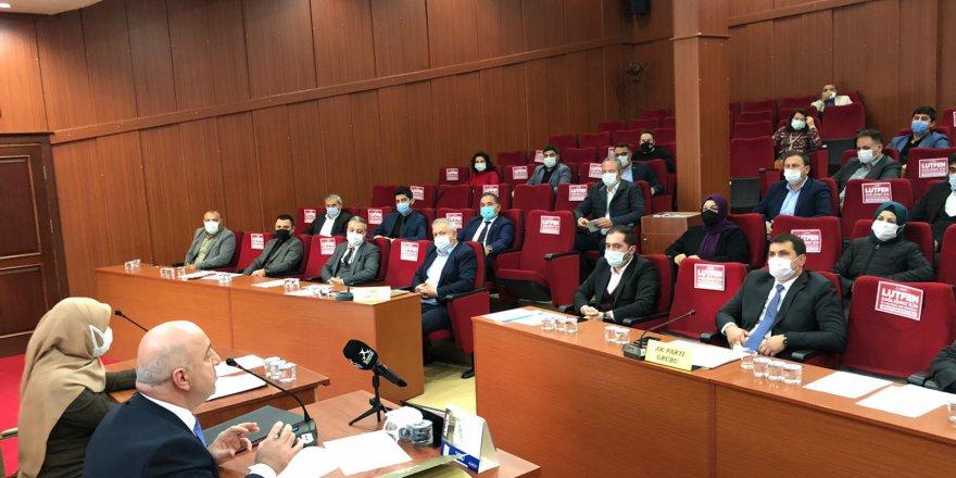 CHP mağdur esnaf için  6 ayda 9 bin lira istedi