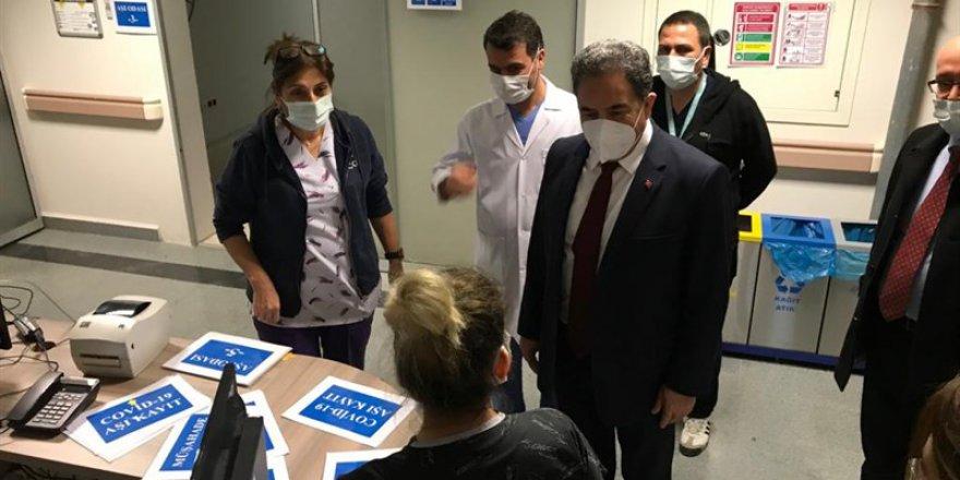 Kaymakam Güler'den Aşı Yapılan Sağlık Personeline Ziyaret