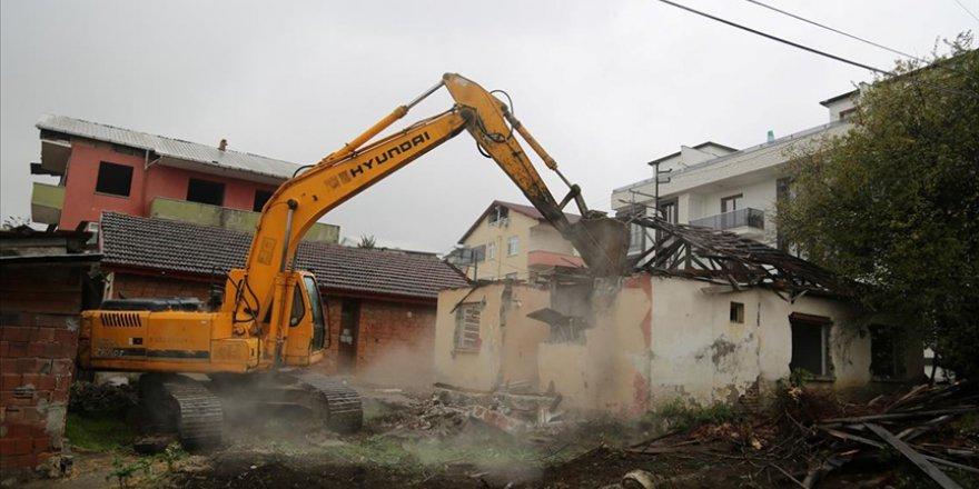26 ağır hasarlı bina yıkılacak