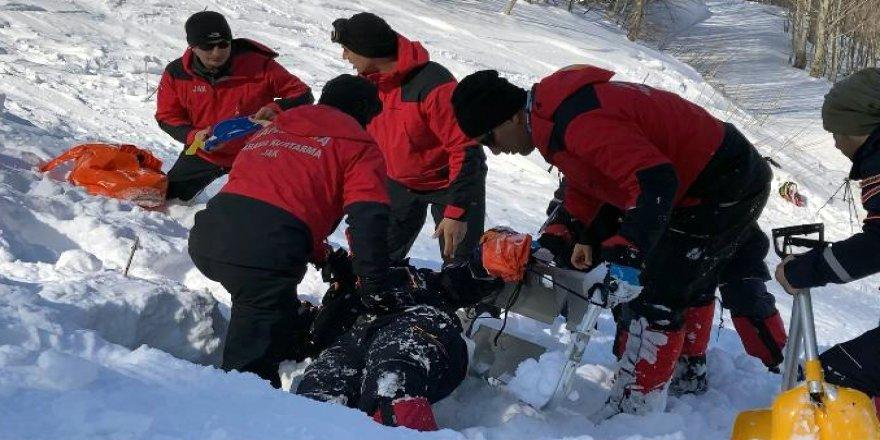 Kayak Merkezi'nde çığ tatbikatı yapıldı