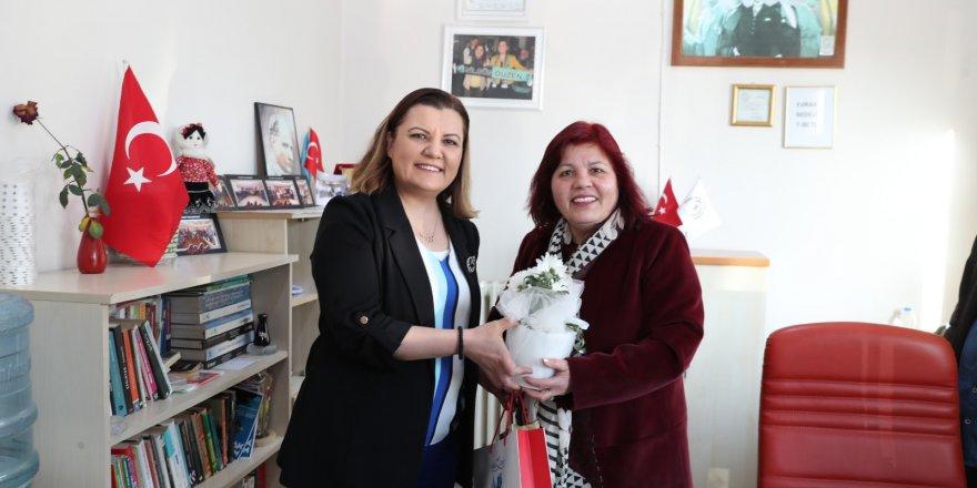 Hürriyet'ten Kadınlar Günü'nde  kadın muhtarlara ziyaret