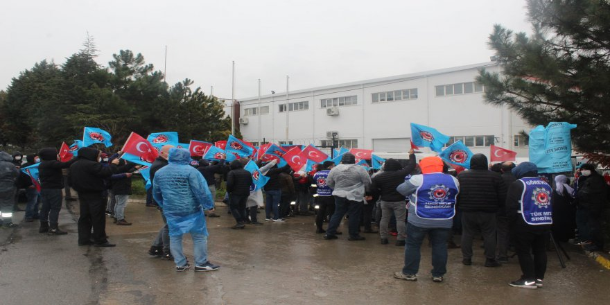 İki aylık Çinli Oppo sendikalı işçiyi tabelayı dahi asmadan attı