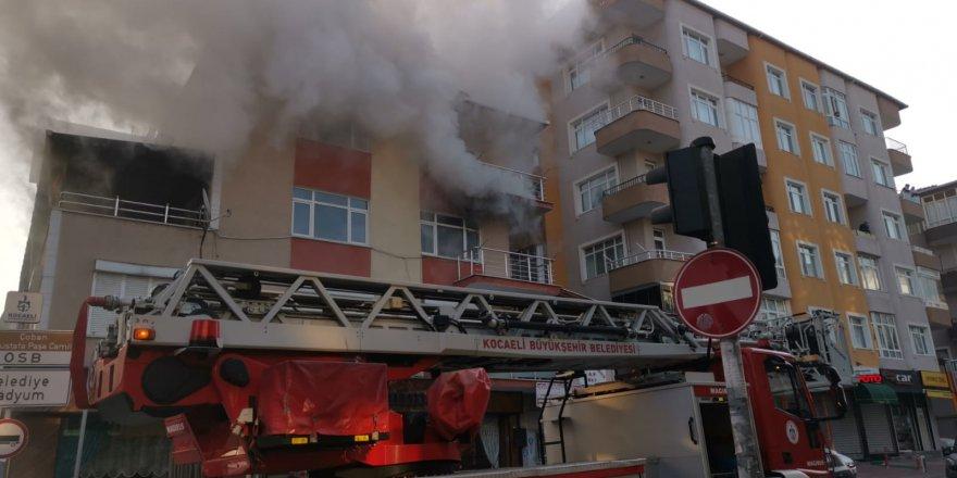Gebze'de ev yangını