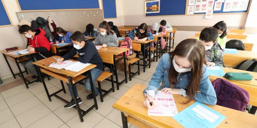 Öğrenciler LGS Denemesinde Ter Döktü