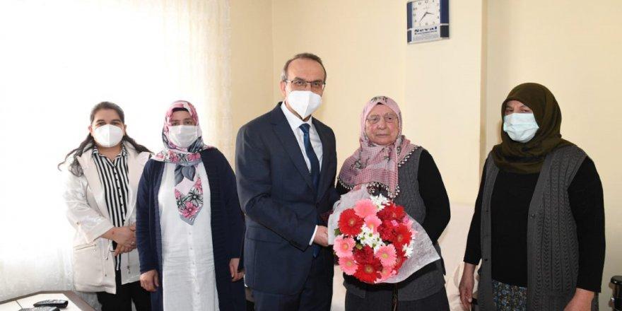 Vali Yavuz'dan şehit ve gazi ailelerine ziyaret
